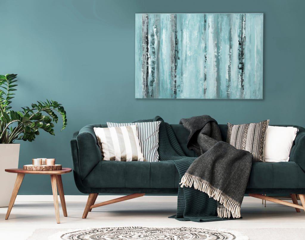 Salon avec mut peint avec une teinte naturelle