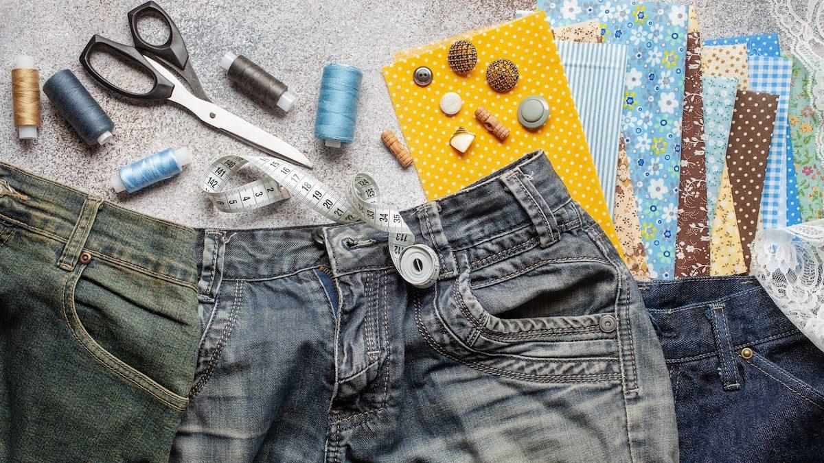 Vieux Jeans prêt à être upcyclés